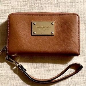 Michael Kors Saffiano Accordion Wallet/Wristlet